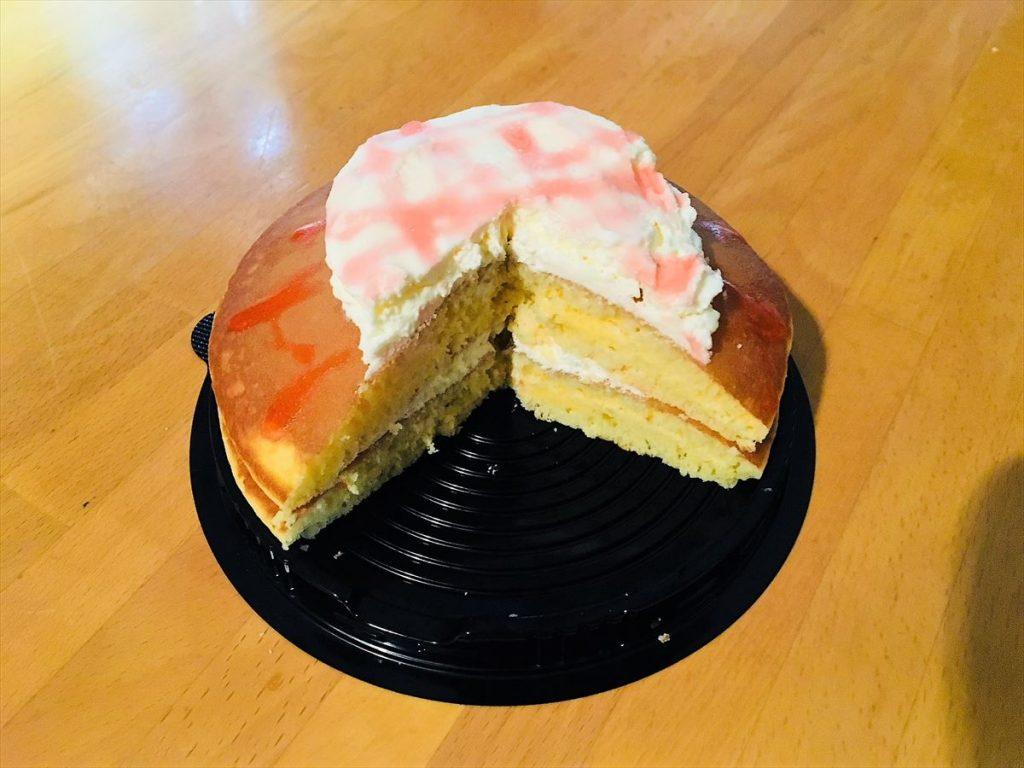新商品「梅生クリームパンケーキ」の断面
